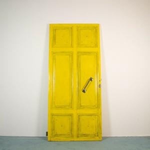 Porta gialla legno